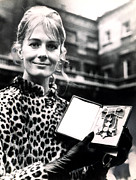 Leopard Print Framed Prints - Vanessa Redgrave With Her C.b.e. Award Framed Print by Everett