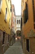 Backstreets Prints - Venice Backstreets Digital Painting Print by Heinz Mielke