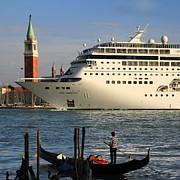 Venice Cruise Ship 2 Print by Andrew Fare