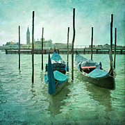 Flypaper Textures Photos - Venice by Paul Grand