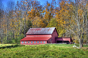 Vermont Photographs Framed Prints - Vermont Barn Framed Print by Dennis Clark