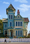 Victorian Digital Art - Victorian House by Patricia Stalter