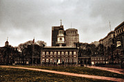 Independence Hall Digital Art Metal Prints - View of Independence Hall in Philadelphia Metal Print by Bill Cannon