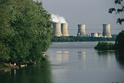 Power Plants Prints - View Of Three Mile Island Nuclear Print by Raymond Gehman