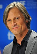 Press Conference Acrylic Prints - Viggo Mortensen At The Press Conference Acrylic Print by Everett
