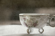 Painted Mixed Media - Vintage Teacup by Bonnie Bruno