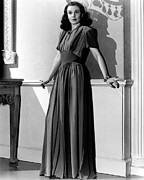 Full-length Portrait Photo Framed Prints - Vivien Leigh, Circa Late 1930s Framed Print by Everett