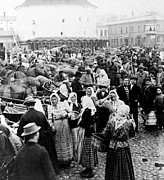 Crowd Scene Art - Vyborg Market Place  c 1897 by International  Images