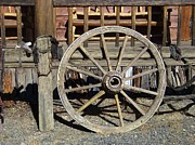 Conestoga Wagon Photos - Wagon Wheel by Charles Robinson