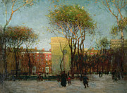 Park Benches Painting Posters - Washington Square New york Poster by Paul Cornoyer