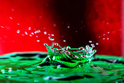 Action Photo Prints - Water drop splashing Print by Paul Ge