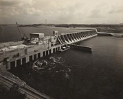 Flood Posters - Watts Bar Dam On The Tennessee River Poster by Everett