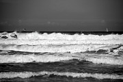Beach Scene Photos - Waves 1 in BW by Susanne Van Hulst