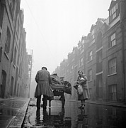 Horse And Cart Art - Whitechapel Street by John Chillingworth