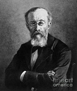 Principles Framed Prints - Wilhelm Wundt, German Psychologist Framed Print by Science Source