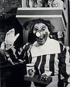 Ronald Mcdonald Art - Willard Scott B. 1934 Created by Everett
