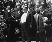Us Presidents Prints - William Howard Taft 1857-1930 Receives Print by Everett