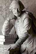 Statue Portrait Prints - William Shakespeare Print by Granger