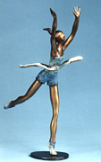 Running Sculptures - Winner by Esther Wertheimer