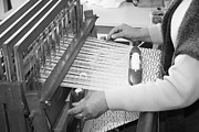Gaspar Avila - Woman weaving