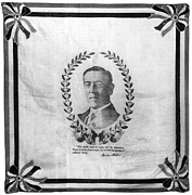 1916 Photos - Woodrow Wilson Bandana by Granger