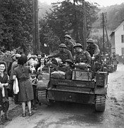 Liberation Photos - Wwii Liberation Of France by Granger