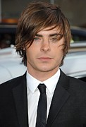 2000s Hairstyles Framed Prints - Zac Efron At Arrivals For 17 Again Framed Print by Everett