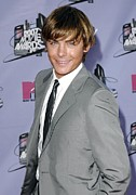Gray Suit Framed Prints - Zac Efron At Arrivals For 2007 Mtv Framed Print by Everett