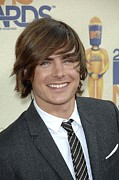2000s Hairstyles Framed Prints - Zac Efron At Arrivals For 2009 Mtv Framed Print by Everett