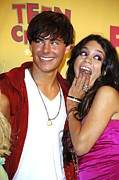 Teen Choice Awards Prints - Zac Efron, Vanessa Anne Hudgens Print by Everett