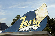 Drive In Style Prints - Zesto Ice Cream Print by Frank Short