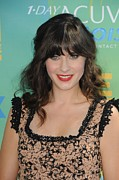 Teen Choice Awards Prints - Zooey Deschanel At Arrivals For 2011 Print by Everett