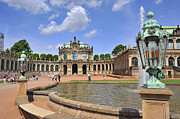 Travel Images Worldwide - Zwinger