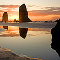 0385 Cannon Beach Reflection