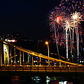 July 4th Fireworks In Pittsburgh by Jetson Nguyen