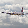 B17- Yankee Lady by Pat Speirs