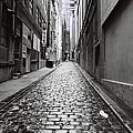 City Lane Melbourne by Linda Lees