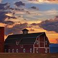 Danny's Barn by Darren  White