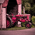Farmall 200 by Robert Geary