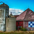 Hexagon Quilt Barn by Paul Freidlund