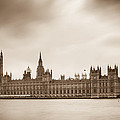 Houses Of Parliament And Elizabeth Tower In London by Semmick Photo