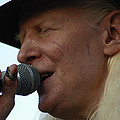 Johnny Winter Sings