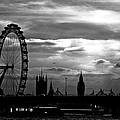 London Silhouette by Jorge Maia