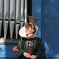 Maryland Renaissance Festival - A Fool Named O - 12128 by DC Photographer