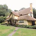 Periwinkle Cottage i...