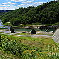 Sutton Dam by Thomas R Fletcher