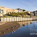 Te Papa Wellington New Zealand by Colin and Linda McKie