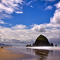 The Beautiful Cannon Beach Oregon by David Patterson