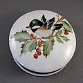 1646 Chickadee Box by Wilma Manhardt