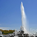 Buckingham Fountain - Chicago's Iconic Landmark by Christine Till